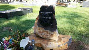memorial stones gold coast