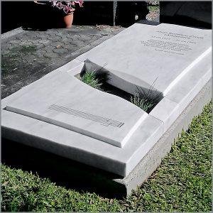 Unique Stone Memorial by Gold Coast Stonemason Luke Zwolsman